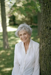 Alice+Munro+Photo_credit+to+Derek+Shapton_international+rights+cleared2-e1349861573238